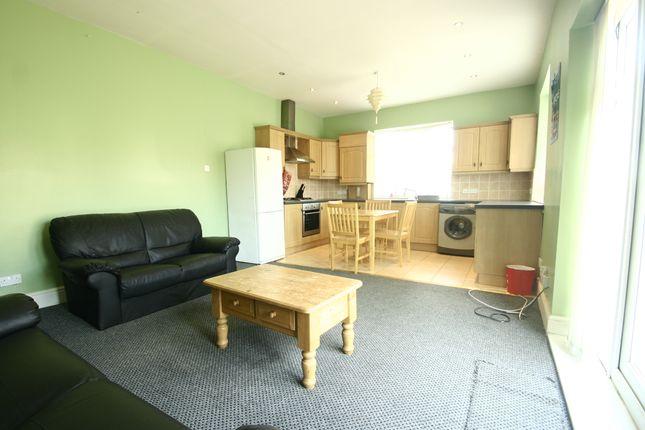 Thumbnail Detached bungalow to rent in 65Pppw - Debdon Gardens, Heaton