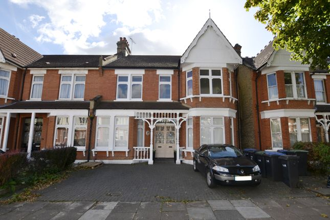 Thumbnail Flat to rent in Selbourne Road, Southgate