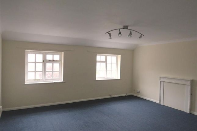 Thumbnail Flat to rent in Springett Avenue, Ringmer, Lewes