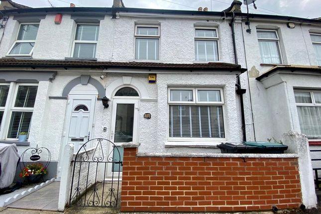 Picture No. 23 of Gordon Road, Northfleet, Kent DA11