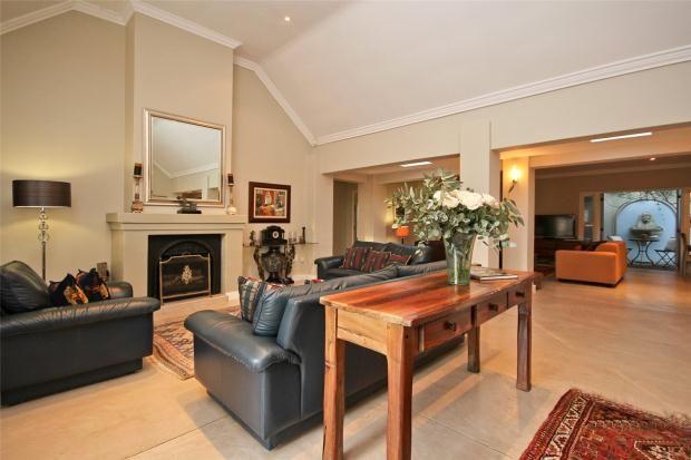 Picture No. 02 of 30 Kalden Drive, La Sandra, Somerset West, Western Cape, 7130