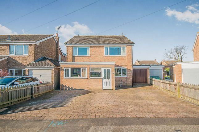 4 bed detached house for sale in Christopher Crescent, Sleaford