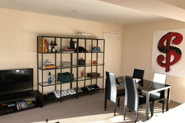 2 bed property to rent in Cleveland Court, Bath