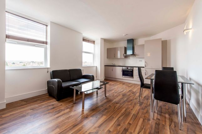 Thumbnail Flat to rent in High Road, North Finchley, London