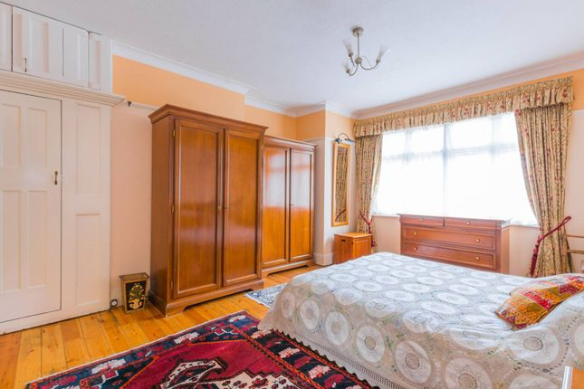 Property to rent in Priory Gardens, Highgate, London
