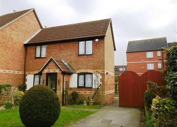 Thumbnail Semi-detached house to rent in Rosemount Drive, Scunthorpe