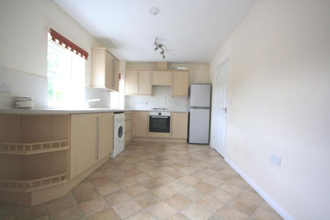 Thumbnail Flat to rent in Balmoral Drive, Greylees, Sleaford, Lincolnshire