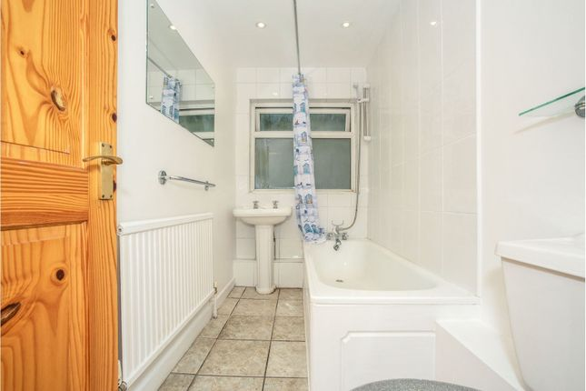 Bathroom of Main Road, Dartford DA4