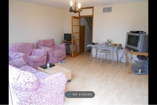 Living Room of Navestock Crescent, Woodford IG8