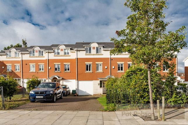 Thumbnail Town house for sale in The Wickets, Moor Road North, Gosforth