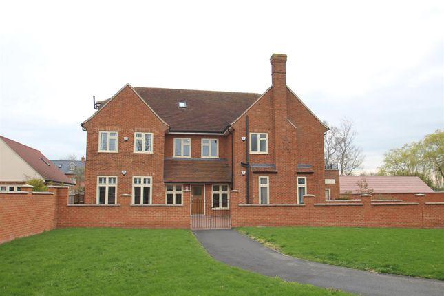 Flat for sale in Wreschner Close, Deanshanger, Milton Keynes
