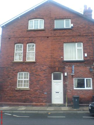 Thumbnail Flat to rent in Broadoak Road, Ashton-Under-Lyne