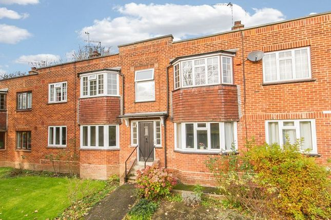 Thumbnail Flat for sale in High Road, Loughton