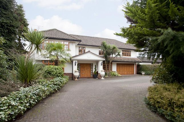 Thumbnail Detached house for sale in Pynnacles Close, Stanmore, Middx