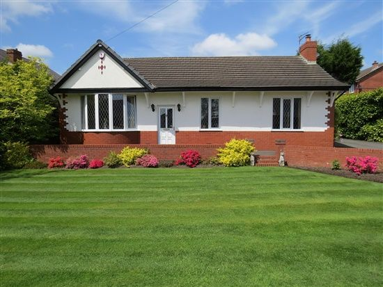 Thumbnail Bungalow for sale in Lancaster Lane, Leyland