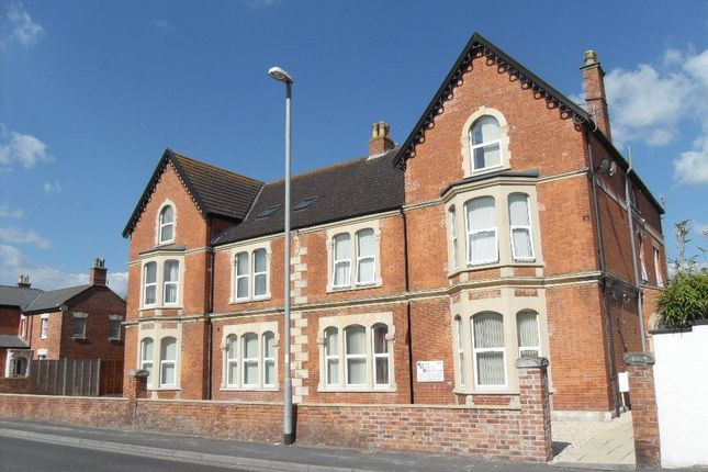 Thumbnail Flat to rent in Berrow Road, Burnham-On-Sea