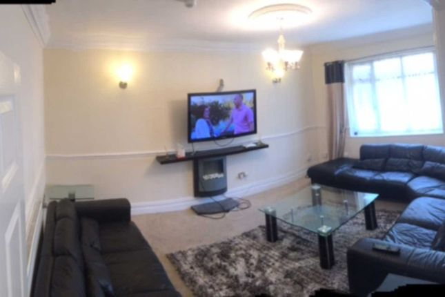 Thumbnail Terraced house to rent in Kingswood Road, Fallowfield, Manchester