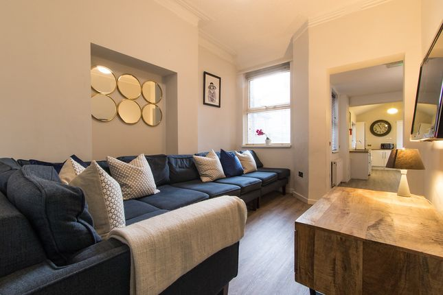 Thumbnail Shared accommodation to rent in Cawdor Road, Manchester