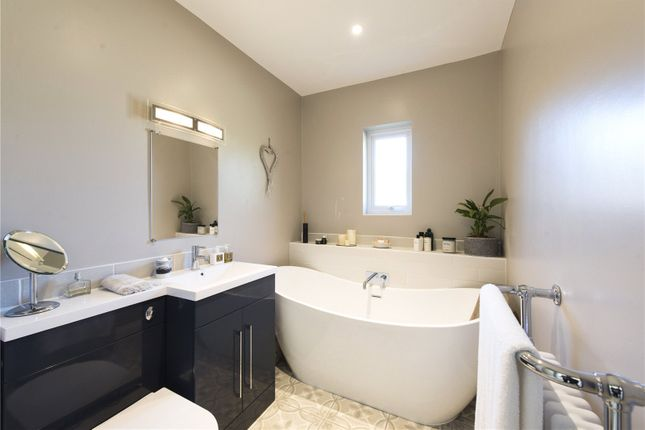 Bathroom of Manor Court, Chadlington, Chipping Norton, Oxfordshire OX7