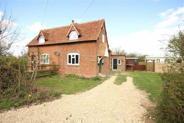 Thumbnail Semi-detached house to rent in Camden Lane, Faringdon, Oxfordshire