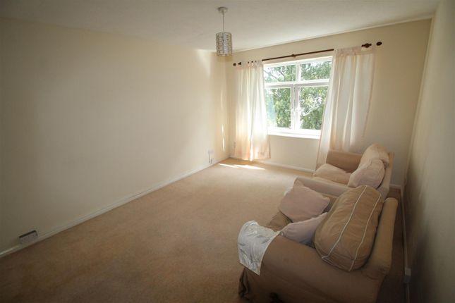 Lounge of Shipley Fields Road, Shipley BD18