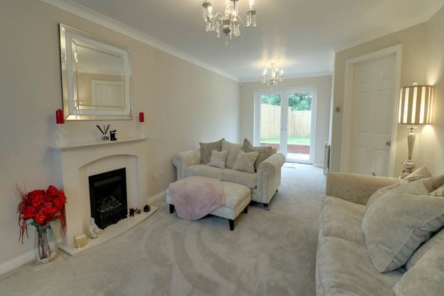 Lounge Pic 2 of Fair Holme View, Armthorpe, Doncaster DN3
