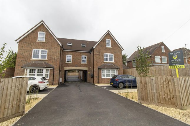 Thumbnail Flat for sale in Elmgrove Road East, Hardwicke, Gloucester