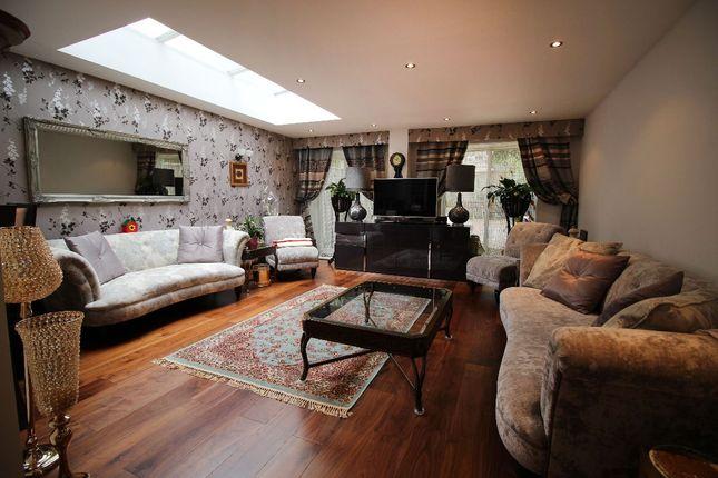 Thumbnail Flat to rent in Loveridge Road, Kilburn