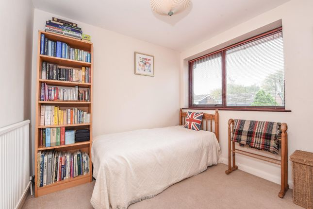 Bedroom of Wayside Green, Woodcote, Reading RG8