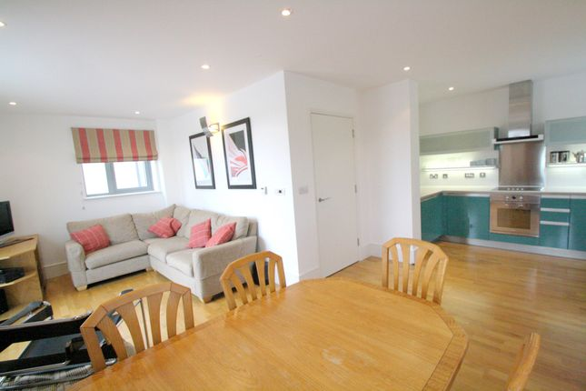 Thumbnail Flat to rent in Railway Street, Kings Cross