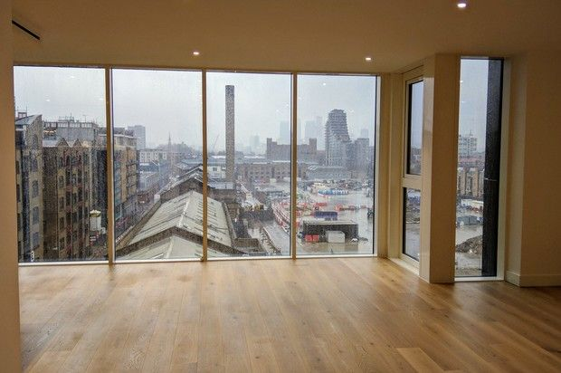 Thumbnail Flat for sale in Gauging Square, London