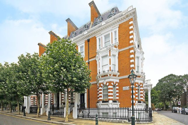 Thumbnail Maisonette for sale in Observatory Gardens, Kensington