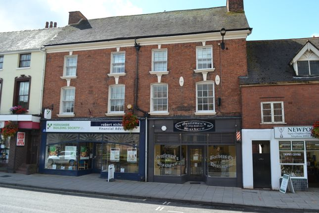 2 bed flat to rent in High Street, Newport