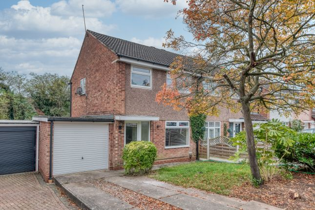 Thumbnail Semi-detached house to rent in Pebworth Close, Redditch