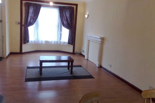Thumbnail Terraced house to rent in Brighton Road, South Croydon