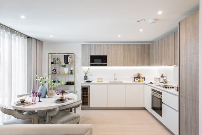 Thumbnail Flat for sale in Hofland Road, London