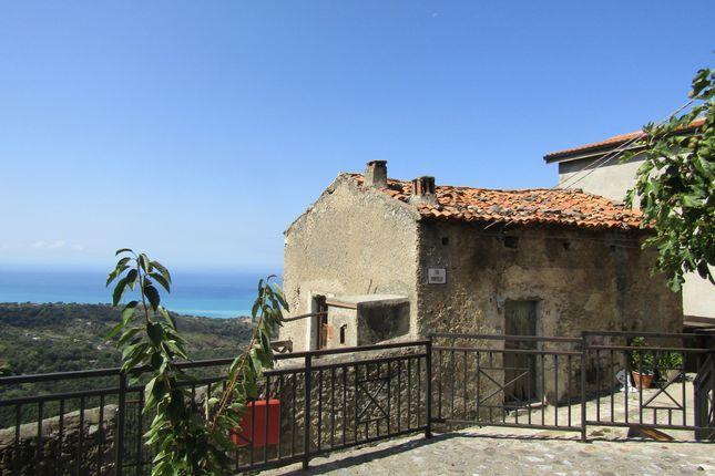 2 bed town house for sale in Centro Storico, Grisolia, Cosenza, Calabria, Italy