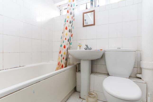 Bathroom of Glamorgan Close, Willenhall, Coventry, West Midlands CV3