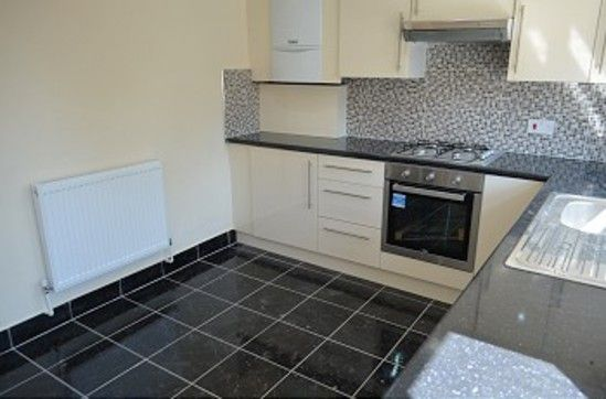 Thumbnail Property to rent in Raynham Avenue, London