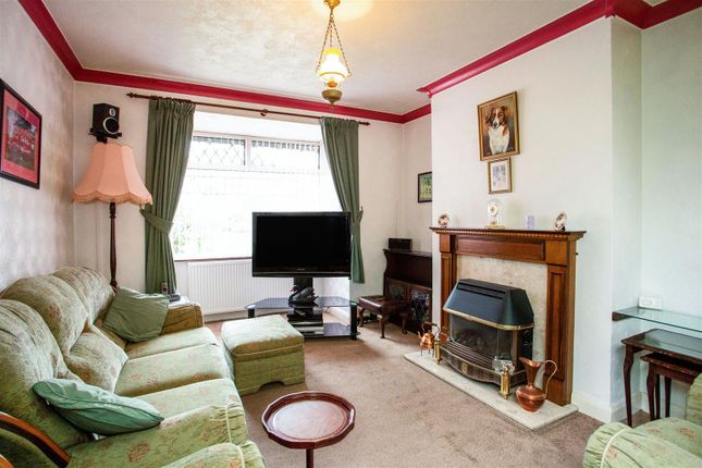 Lounge of Teignmouth Avenue, Mansfield NG18