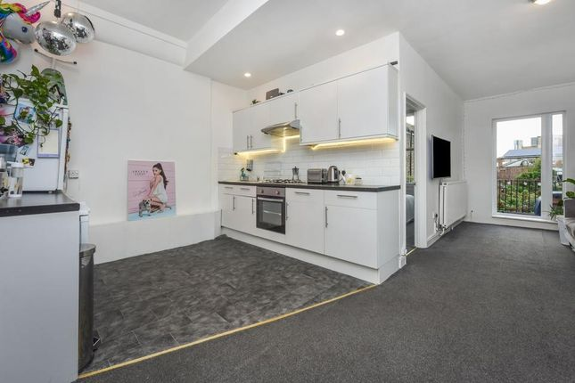 Kitchen Area of Brixton Road, London SW9