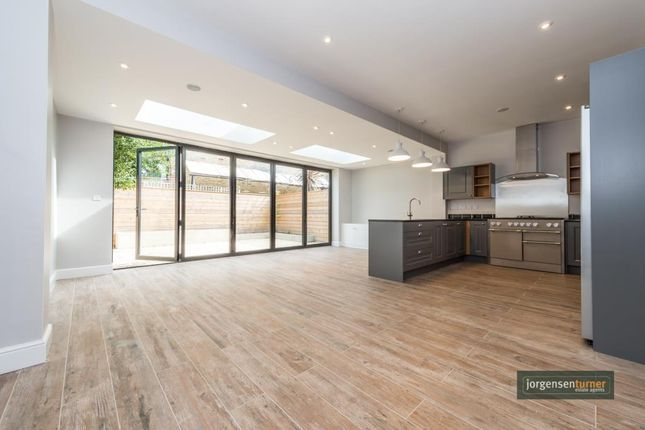 5 bed property for sale in Grafton Road, Acton, London