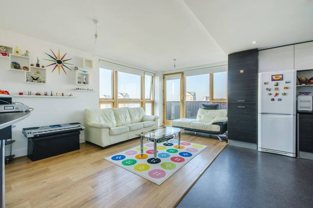 Thumbnail Flat to rent in Byng Street, Canary Wharf