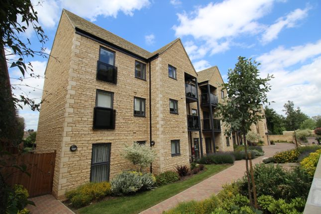 Thumbnail Flat for sale in Stukeley Court, Stamford