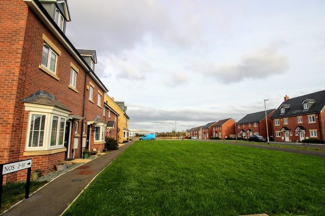 View To Front of Holloway Close, St Andrews Ridge, Swindon SN25