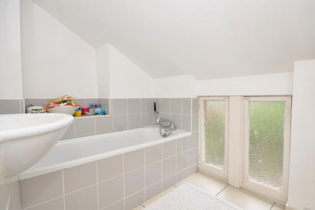 Bathroom of Woodland Gardens, London N10