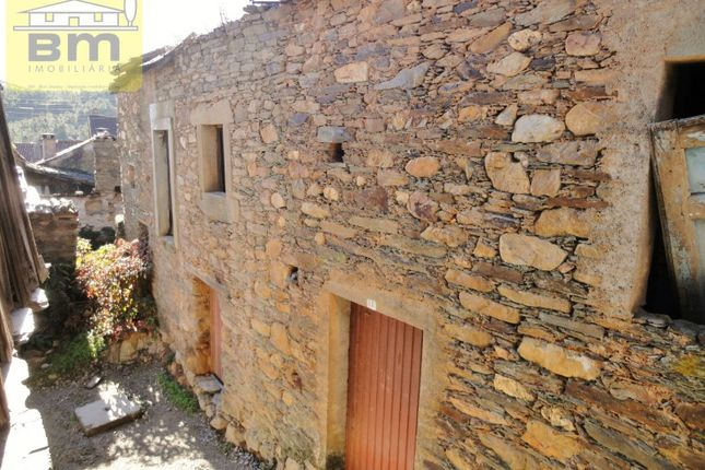 4 bed detached house for sale in Almaceda, Almaceda, Castelo Branco