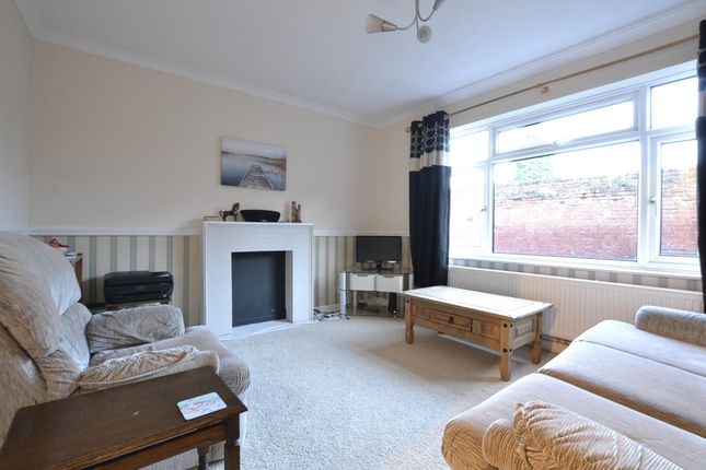 3 bed semi-detached house to rent in Deans Walk, Gloucester GL1