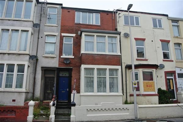 Thumbnail Flat for sale in Charles Street, Blackpool