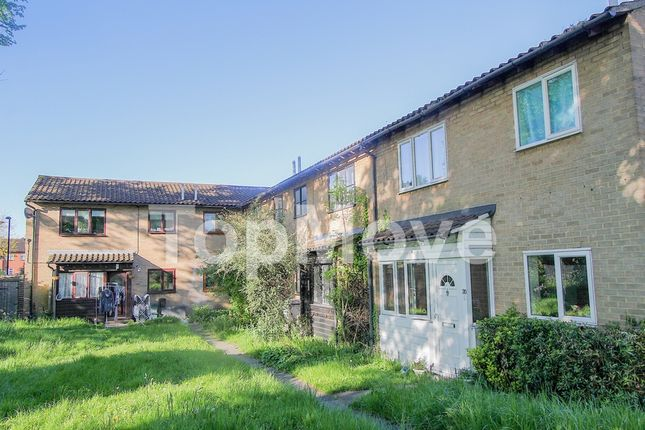 Thumbnail Terraced house for sale in Fernleigh Close, Waddon
